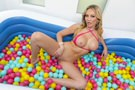 Ball Pit Fun! picture 27