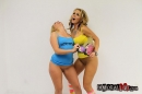 AJ Applegate VS Nikki Sexx, picture 41 of 94